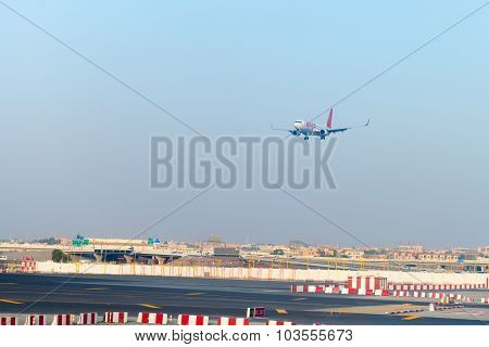 Passenger Liner From Spicejet, On Final Approach For Landing At Dubai International Airport.