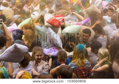 MOSCOW - SEPTEMBER, 27: Young people having fun at the event Big Pillows Battle and Holi paints festival on September 27, 2015 in Moscow