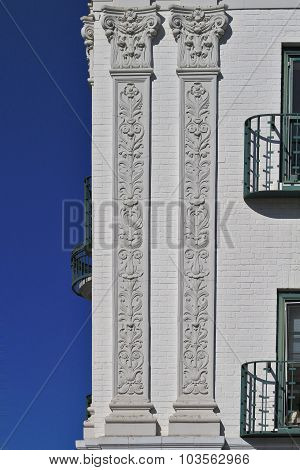 Art Deco exterior building with balcony