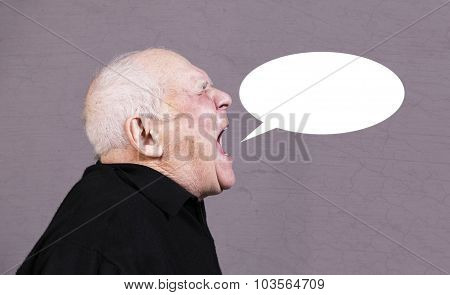 Profile photo of very emotional old man screams with announcement talk bubble on a gray background