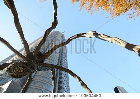 Tokyo, Japan - November 20, 2013: Spider Statue, The Symbol Of Roppongi Hills In Tokyo