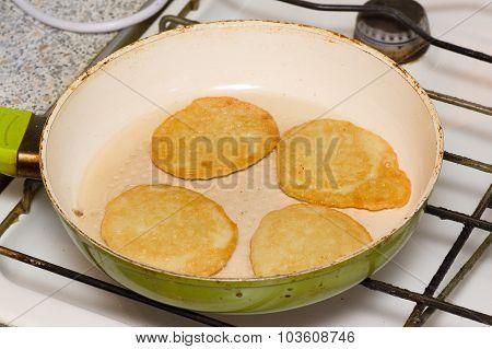 Preparation Of Potato Hash Browns