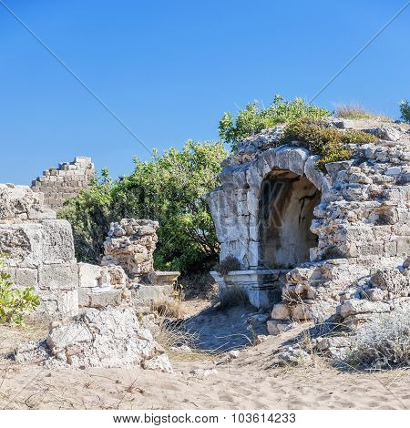 Side East Necropolis Ruins