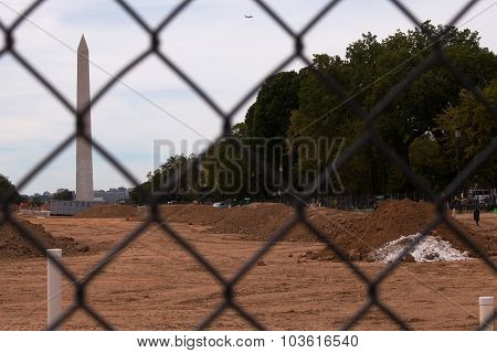 WASHINGTON DC, USA -  SEP 24 2015 : Mall Turf Restoration work pauses during the Pope's visit.