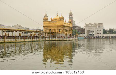 Sikh Pilgrims In The Golden Temple