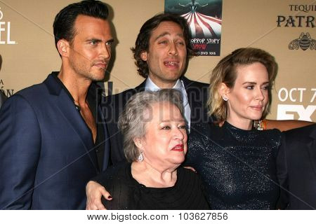 LOS ANGELES - OCT 3:  Cheyenne Jackson, Kathy Bates, Brad Falchuk, Sarah Paulson at the