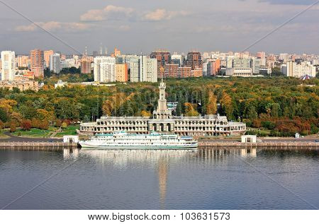 Autumn On The Moscow-river