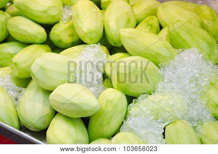 Peeled Mango With Ice On Top