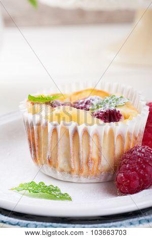 Ricotta mini cheesecake with fresh raspberries