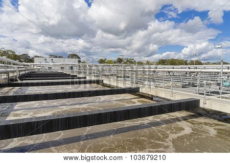 Aeration tank with waste water