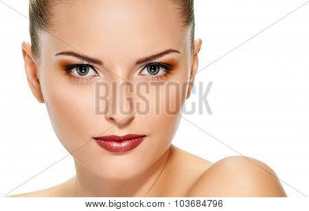 Face close of beautiful young woman