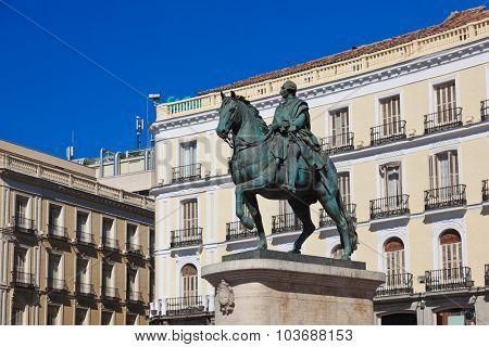 Statue on Sol plaza in the center of Madrid Spain