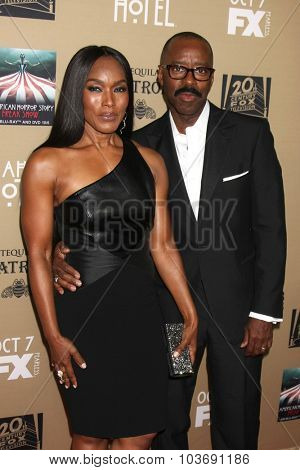 LOS ANGELES - OCT 3:  Angela Bassett, Courtney B Vance at the