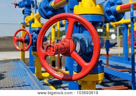 Handle gate valve with steel pipe