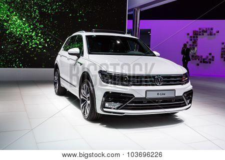 2016 Volkswagen Tiguan R-Line