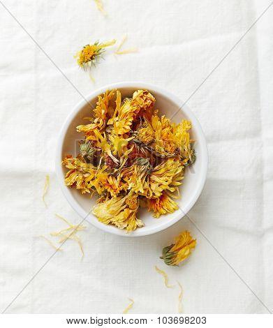 Dried organic marigold flowers