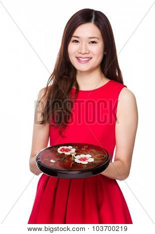 Woman hold with snack tray
