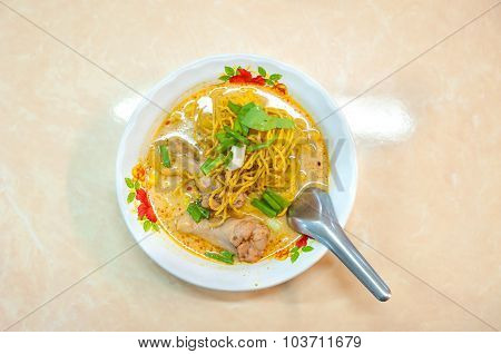 Chiang Mai Speciality Crispy Noodles With Chicken - Khao Soi Gai