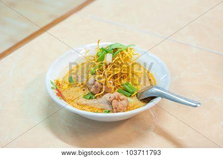 Kao Soi Gai, Chiang Mai Crispy Noodles With Chicken