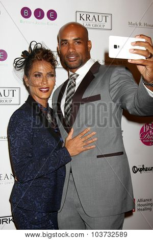 LOS ANGELES - OCT 4:  Nicole Ari Parker, Boris Kodjoe at the Best In Drag Show at the Orpheum Theatre on October 4, 2015 in Los Angeles, CA