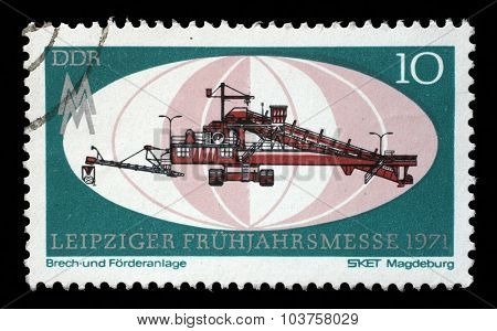 GDR - CIRCA 1971: a stamp printed in GDR shows Crushing and Conveyor Plant, Magdeburg, Leipzig Fair, circa 1971