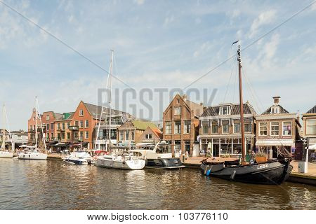 Netherlands - Lemmer - Media August 2015: Pleasure Yachts And Sailboats In The Port Of Lemmer In Fri