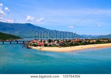 Lang Co Village