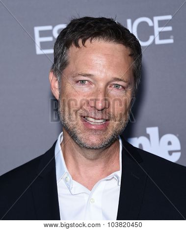 LOS ANGELES - SEP 26:  George Newbern arrives to the TGIT Premiere Red Carpet Event  on September 26, 2015 in Hollywood, CA.