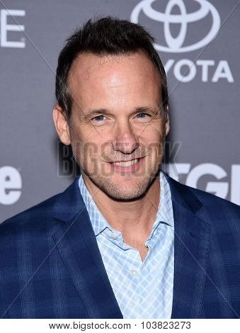 LOS ANGELES - SEP 26:  Tom Verica arrives to the TGIT Premiere Red Carpet Event  on September 26, 2015 in Hollywood, CA.