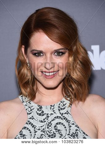 LOS ANGELES - SEP 26:  Sarah Drew arrives to the TGIT Premiere Red Carpet Event  on September 26, 2015 in Hollywood, CA.