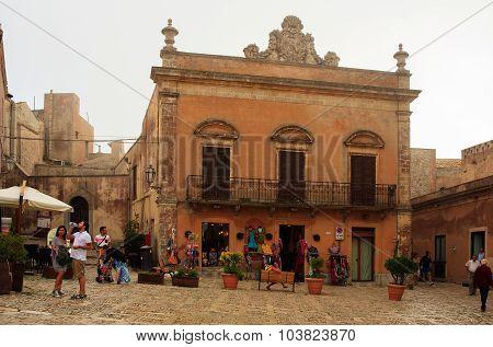 Piazza Della Loggia, Erice