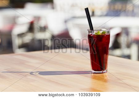 Cool Red Tea With Mint And Ice.