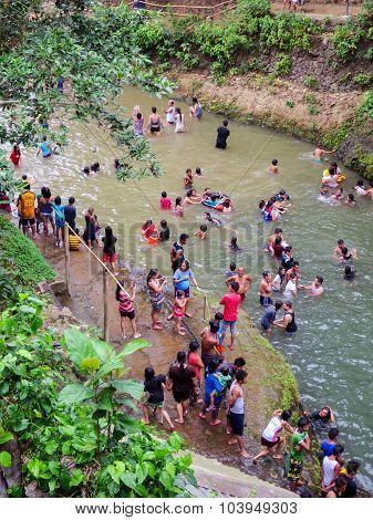 Filipino Families Swimming Fun
