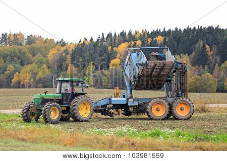John Deere Sugar Beet Harvest In October