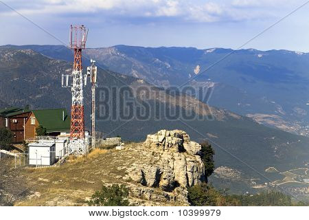 antenna cellular in the mountains