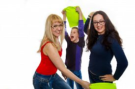 picture of pillow-fight  - Happy children in a pillow fight - JPG