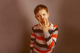 image of finger-licking  - European - JPG