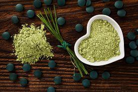image of chlorella  - Spirulina chlorella barley and wheatgrass - JPG