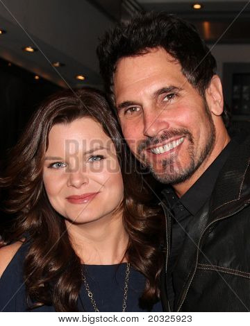 LOS ANGELES - 17 de mayo: Heather Tom, Don Diamont en la celebración de la negrita & hermoso de su No Emmy
