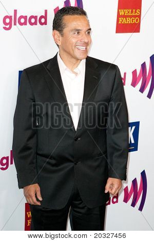 LOS ANGELES - APR 10: Antonio Villaraigosa arrives at the 22nd annual GLAAD Media Awards at Westin Bonaventure Hotel on April 10, 2011 in Los Angeles, CA.