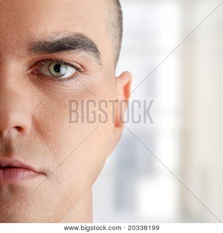 close up Portrait von jungen gut aussehende Dressman