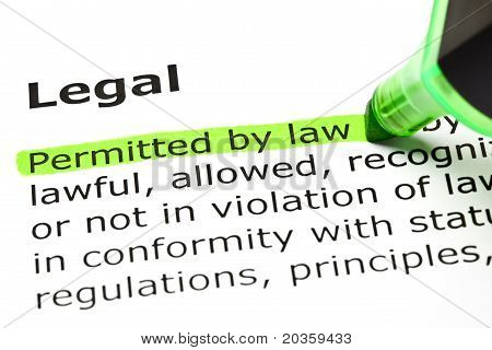 'permitidos por la ley', en 'legales'