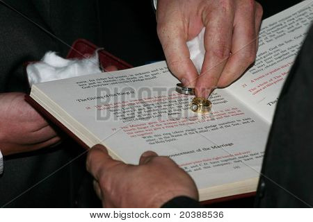 sanctifying of the wedding rings