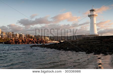 lighthouse sunrise at wollongong