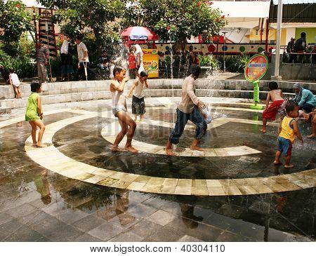 kids at a waterpark