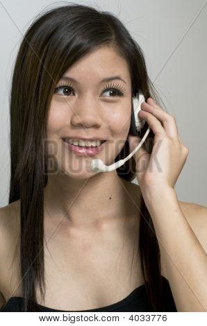 Mujer en Call Center