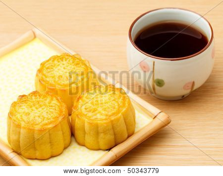 Mooncake and tea
