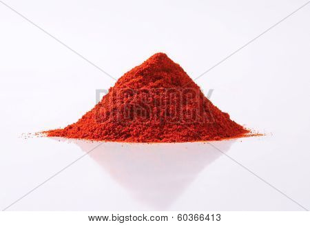 pile of red pepper powder