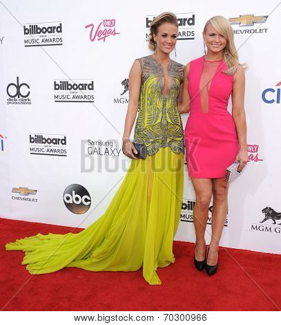 LAS VEGAS - MAY 18:  Carrie Underwood & Miranda Lambert arrives to the Billboard Music Awards 2014  on May 18, 2014 in Las Vegas, NV.