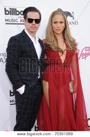 LAS VEGAS - MAY 18:  Jennifer Lopez & Casper Smart arrives to the Billboard Music Awards 2014  on May 18, 2014 in Las Vegas, NV.